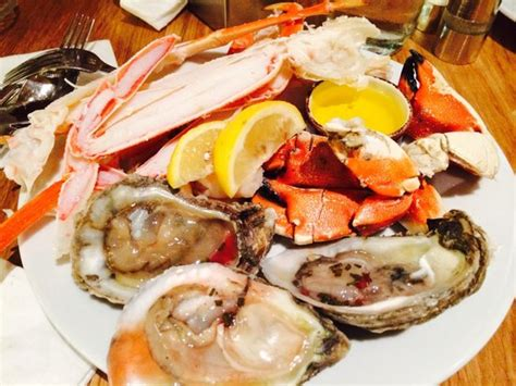seafood buffet oysters and crab seafood king crab legs crab shrimp oysters
