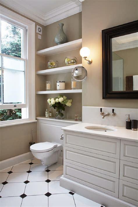 Small Bathroom Shelves Ideas Aprovecha El Inodoro Como Espacio De Almacenaje Para Un Ba 241 O Peque 241 O
