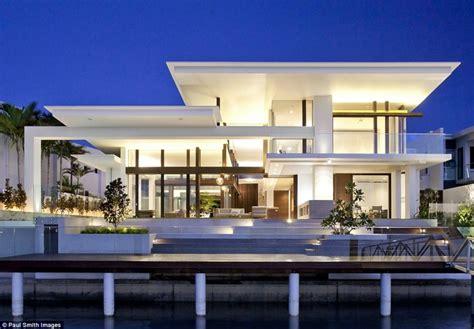 Modern House Exterior Design by Magnifique Maison D Architecte En Australie Vivons Maison