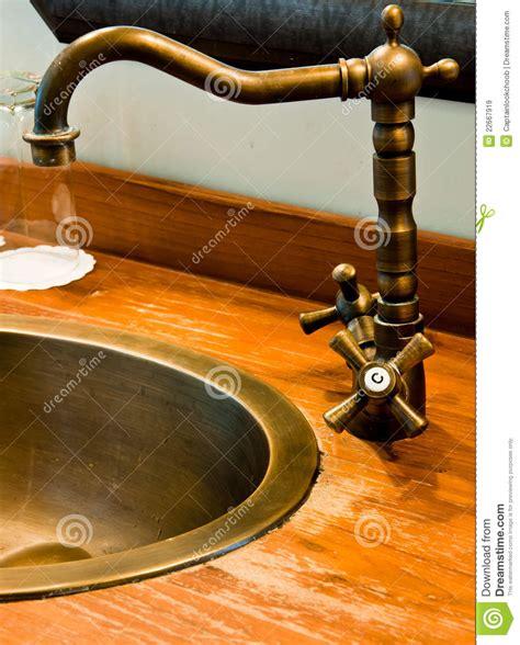 rubinetti dorati rubinetti bagno dorati beautiful acquastilla cestello in