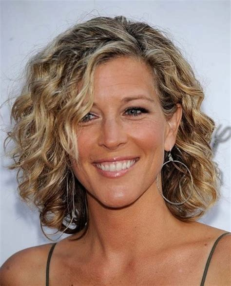 Curly Medium Hairstyles by Medium Curly Hairstyles 2014