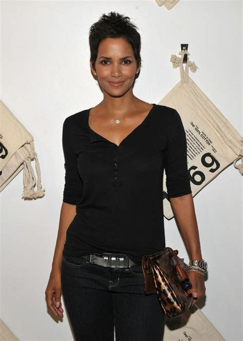 Halle Berry Gets Blvd by 497 Best Berry Images On Berries Berry