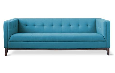 the blue couch what s the difference between sofa and couch