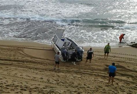 boat accident shelly beach just in ski boat tips at shelly beach 5 injured south