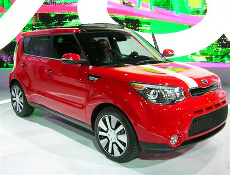 Kia Car And Driver 2014 Kia Soul Photo Gallery Car And Driver