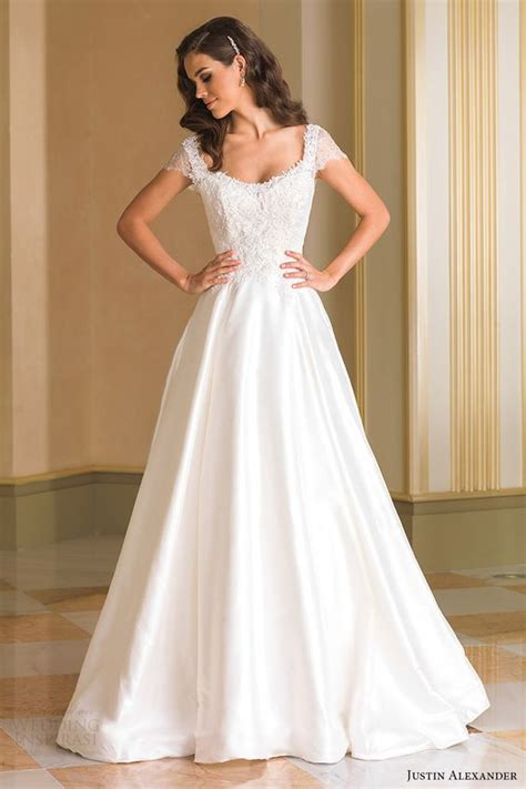 Wedding Dresses With Cap Sleeves by 31 Flattering Scoop Neckline Wedding Dresses Weddingomania
