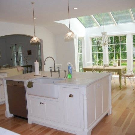 kitchen island with sink and dishwasher kitchen islands