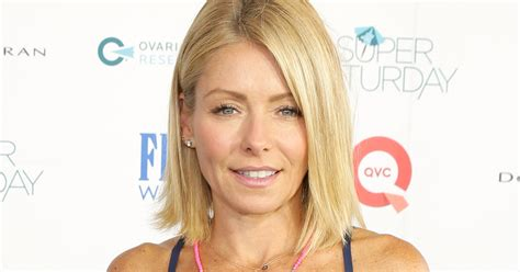 kelly ripper hair style now kelly ripa dyes her hair kelly ripa dyes her hair blue see her bold new do