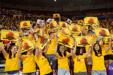 Asu Student by Asu Freshman Class Breaks Records For Enrollment