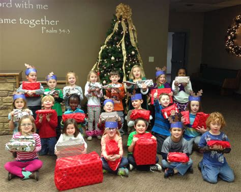 hpwc celebrates 30 years pupils give christmas gifts to