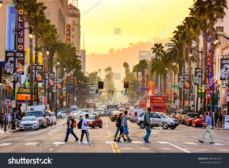 Los Angeles California Search Los Angeles California March 1 2016 Traffic And Pedestrians On