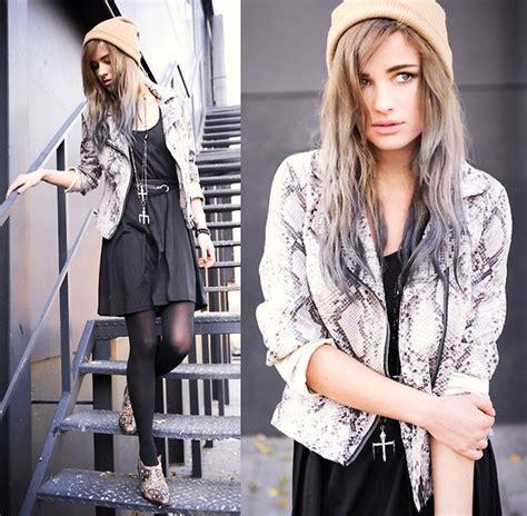 Juliet Dress Cardi Af runs with lipstick ruts n goals