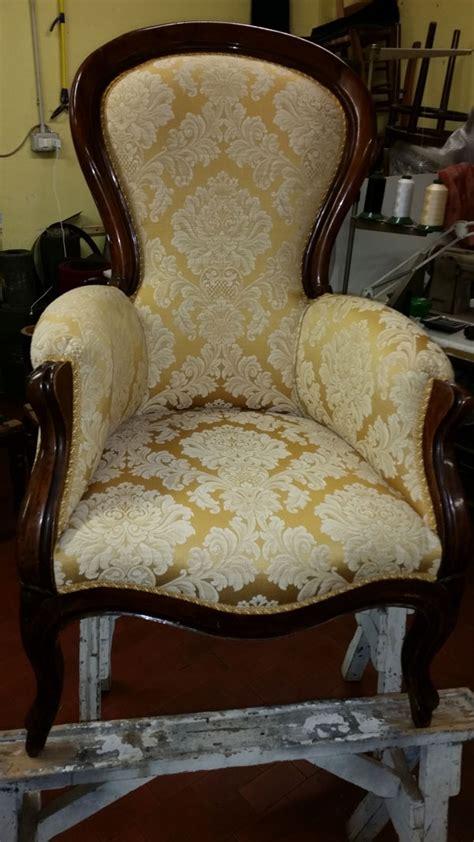 restauro sedie imbottite tappezzeria in stoffa impagliatura