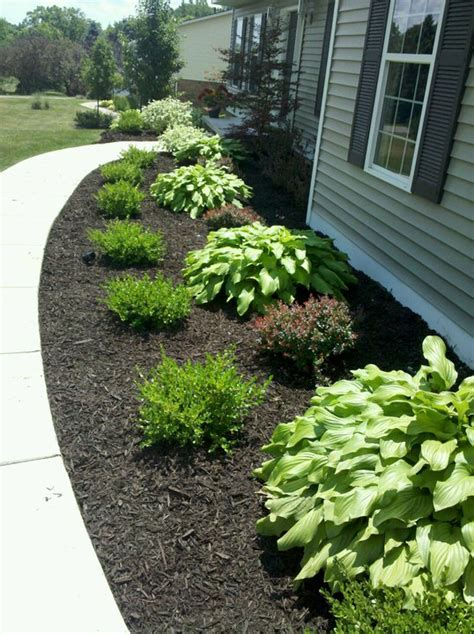 how to mulch flower beds mulch flower bed crowdbuild for