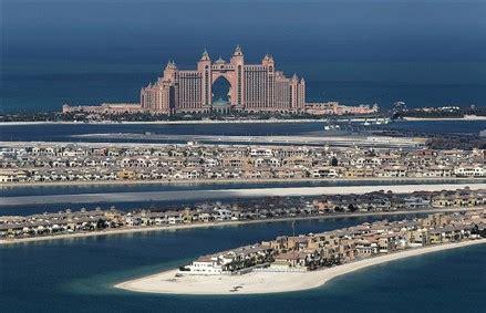 Palm Island Sinking by Dubai S Palm Island May Sink Propgoluxury Property News