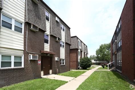 windcrest apartments  rent  champaign il forrentcom