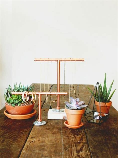 idees pour integrer le tube de cuivre dans votre decor
