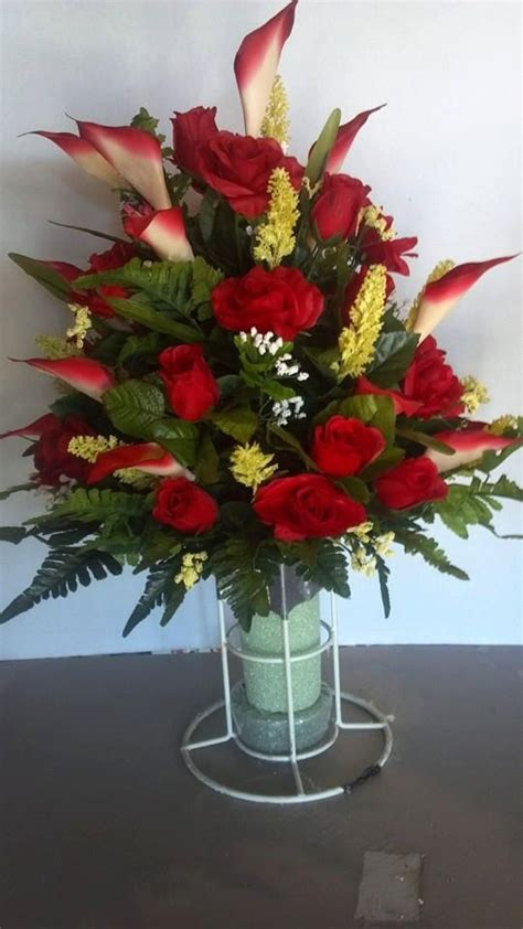Flower Vase For Cemetery by 17 Best Ideas About Cemetery Flowers On