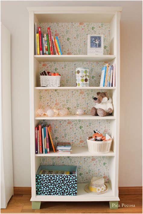 ikea estanterías recicla una estanter 237 a de ikea con chalk paint y papel