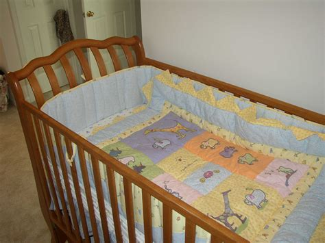 Blanket In Crib by Pictures Of The Crib And Other Nursery Items