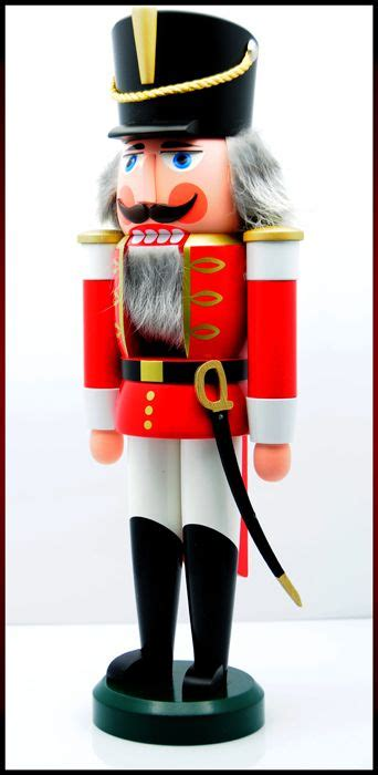 1000 images about christmas nutcrackers smokers on