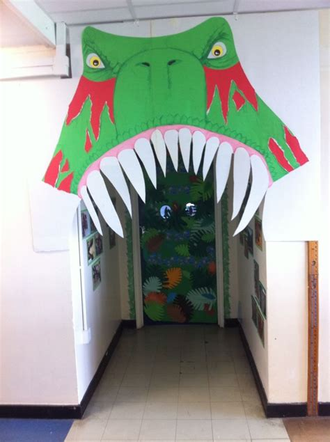 Dinosaurs Decorations by 25 Best Ideas About Dinosaur Decorations On