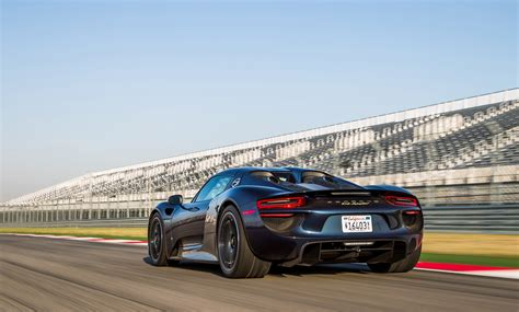 porsche 918 spyder wallpaper wallpaper wednesday porsche 918 spyder