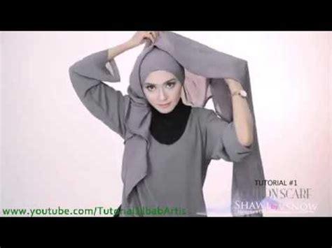 tutorial hijab saritiw tutorial hijab pashmina simple kreasi shawlbyvsnow cotton