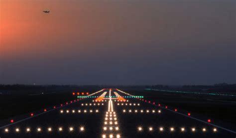 Airport Lighting by Airport Lights Atsys2ay1617te02team4