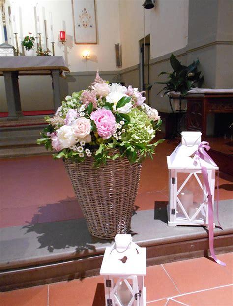 composizione fiori matrimonio chiesa addobbi floreali cerimonia composizioni di fiori matrimonio