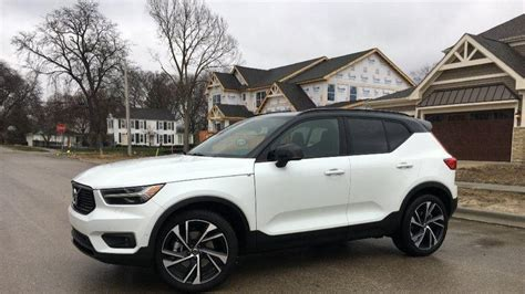 review  volvo xc continues winning crossover tradition chicago tribune