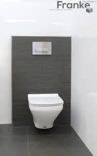 fliesen badezimmer die besten 17 ideen zu g 228 ste wc dekoration auf