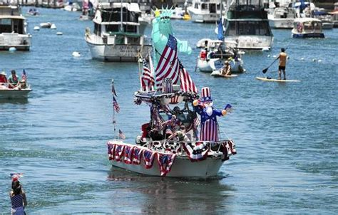 old glory boat parade photo gallery july 4 old glory boat parade daily pilot