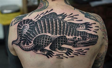 new school alligator tattoo r 252 cken krokodil tattoo von philip yarnell