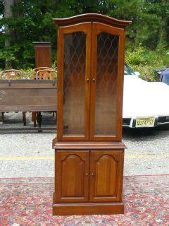 vintage ethan allen curio cabinet ethan allen baumritter heirloom nutmeg maple colonial