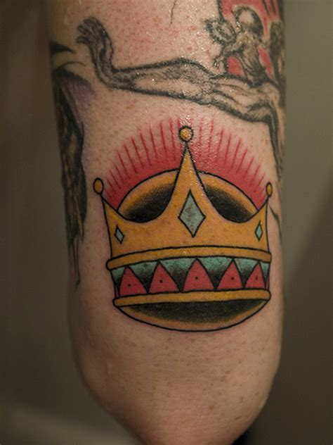 tattoo nearby crown near tattoos book 65 000 tattoos