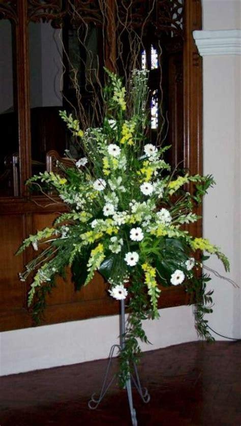 Church Flower Arrangements Pedestal Church Flowers England Pedestal Displays At Immanuel