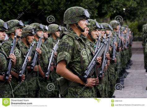 army soldier mexican army soldiers editorial stock photo image of