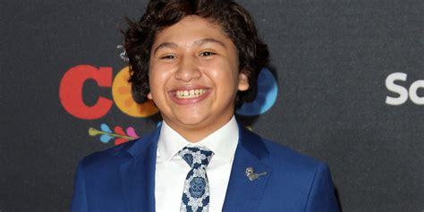 coco star anthony gonzalez reveals how he found out he won the role of miguel anneliese van