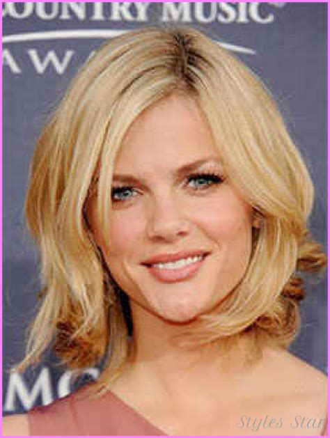 above shoulder hair styles above the shoulder haircuts with side bangs for women