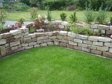 Rock Gartengestaltung by Hochbeet Aus Jurasteinen Garten Trockenmauer