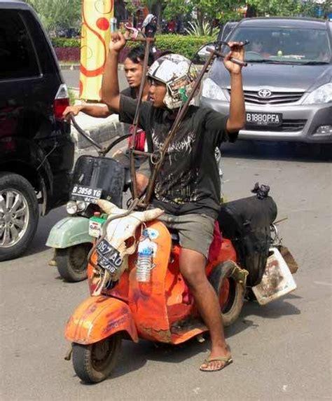 Modifikasi Vespa 74 by Kumpulan Modifikasi Vespa Quot Gila Quot Ini Hanya Ada Di Indonesia