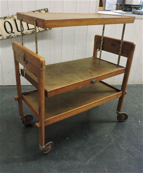 fauteuil de table 1411 table de travail 224 roulettes 95 vendu