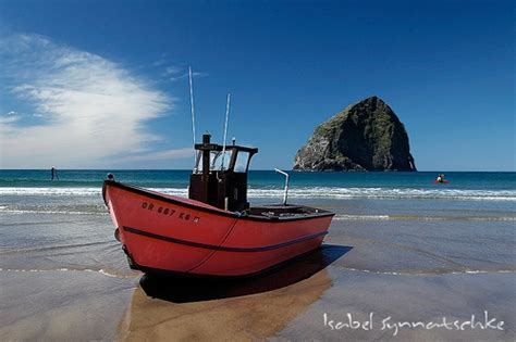 dory boat cape kiwanda nature photography gallery seascapes dory fleet