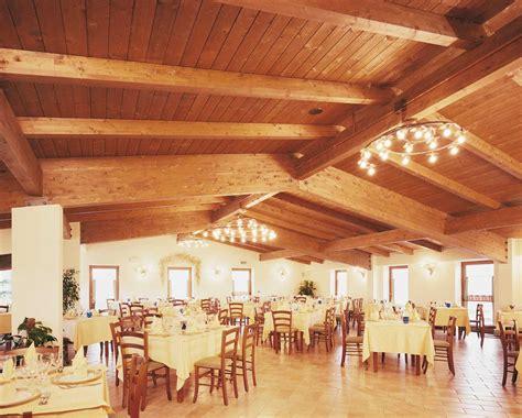 in legno umbria copertura in legno ristorante country house umbria