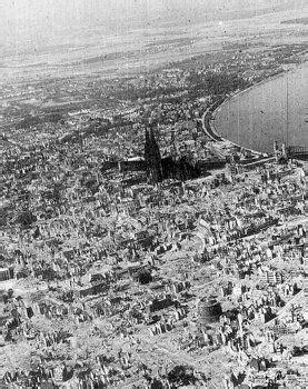 The centre of Cologne after the first 1,000 bomber raid
