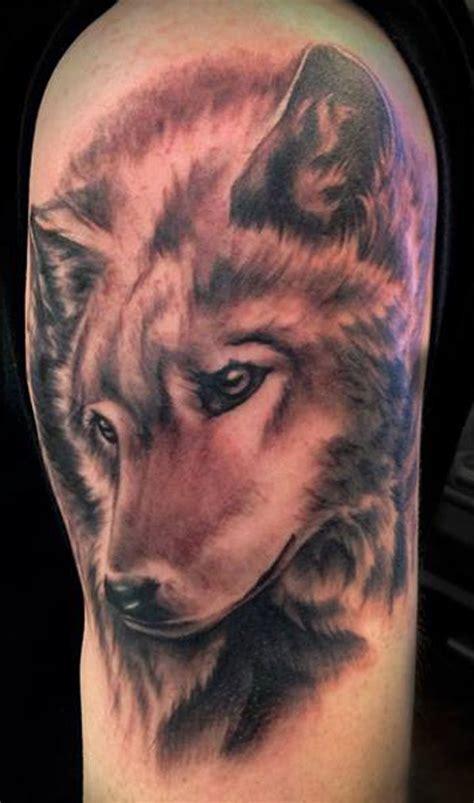 old school wolf tattoo design black and grey wolf tattoos 1000 ideas about school