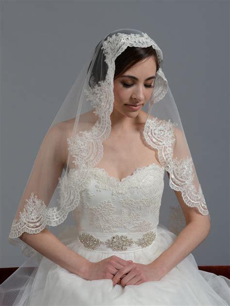 Wedding Veil by Mantilla Bridal Wedding Veil Fingertip V030