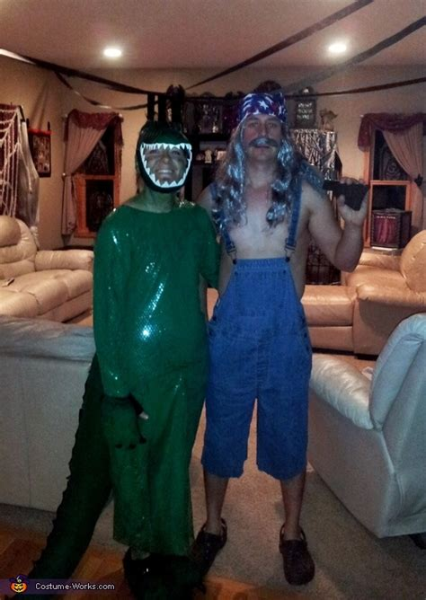 swamp people bruce  gator couple costume diy costumes