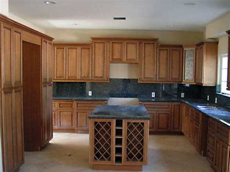 Coffee Maple Cabinets by Coffee Glazed Maple Kitchen Cabinets And Bathroom Vanities